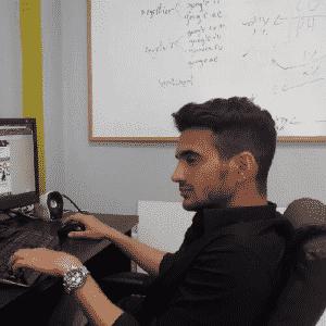 """צור רופין מנהל פרויקטים במשרד בינ""""ל"""